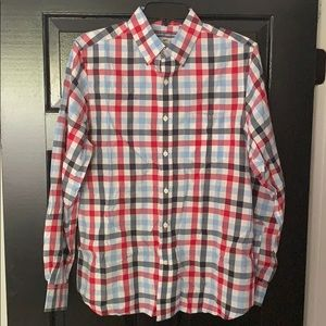 Classic shirt! Preppy and in great condition!